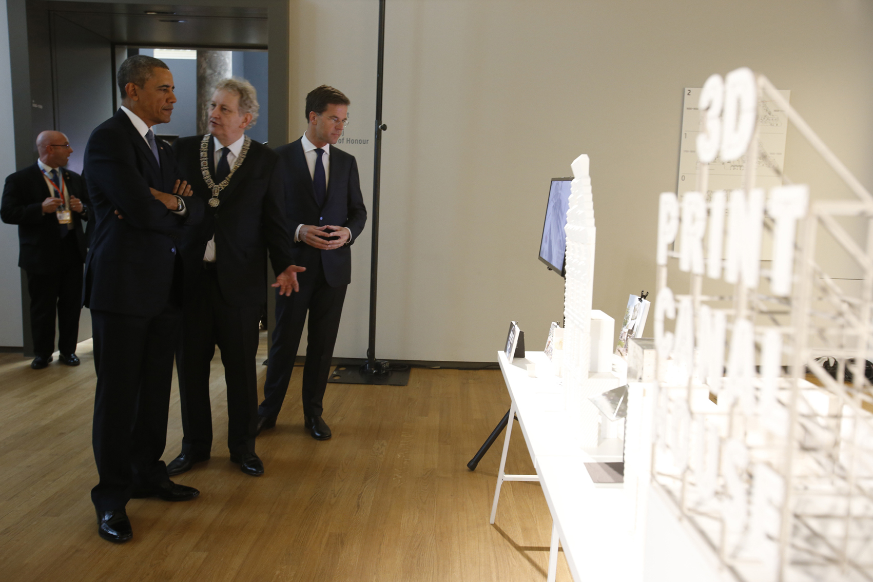 During his visit to the Rijksmuseum in Amsterdam, The 3D Print Canal House was presented to United States' President Barack Obama by the Mayor of Amsterdam Eberhard van der Laan.  http://3dprintcanalhouse.com